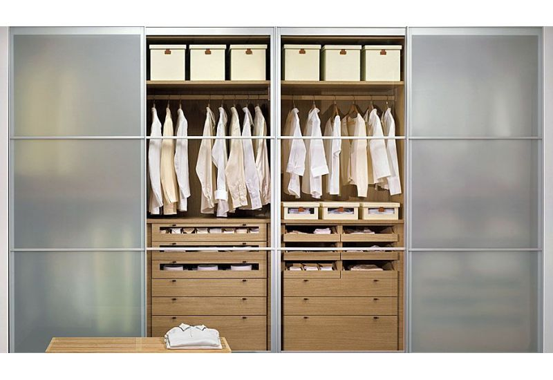 Ultra Built-in Closet