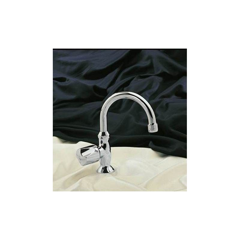 Europa Pillar tap with handle
