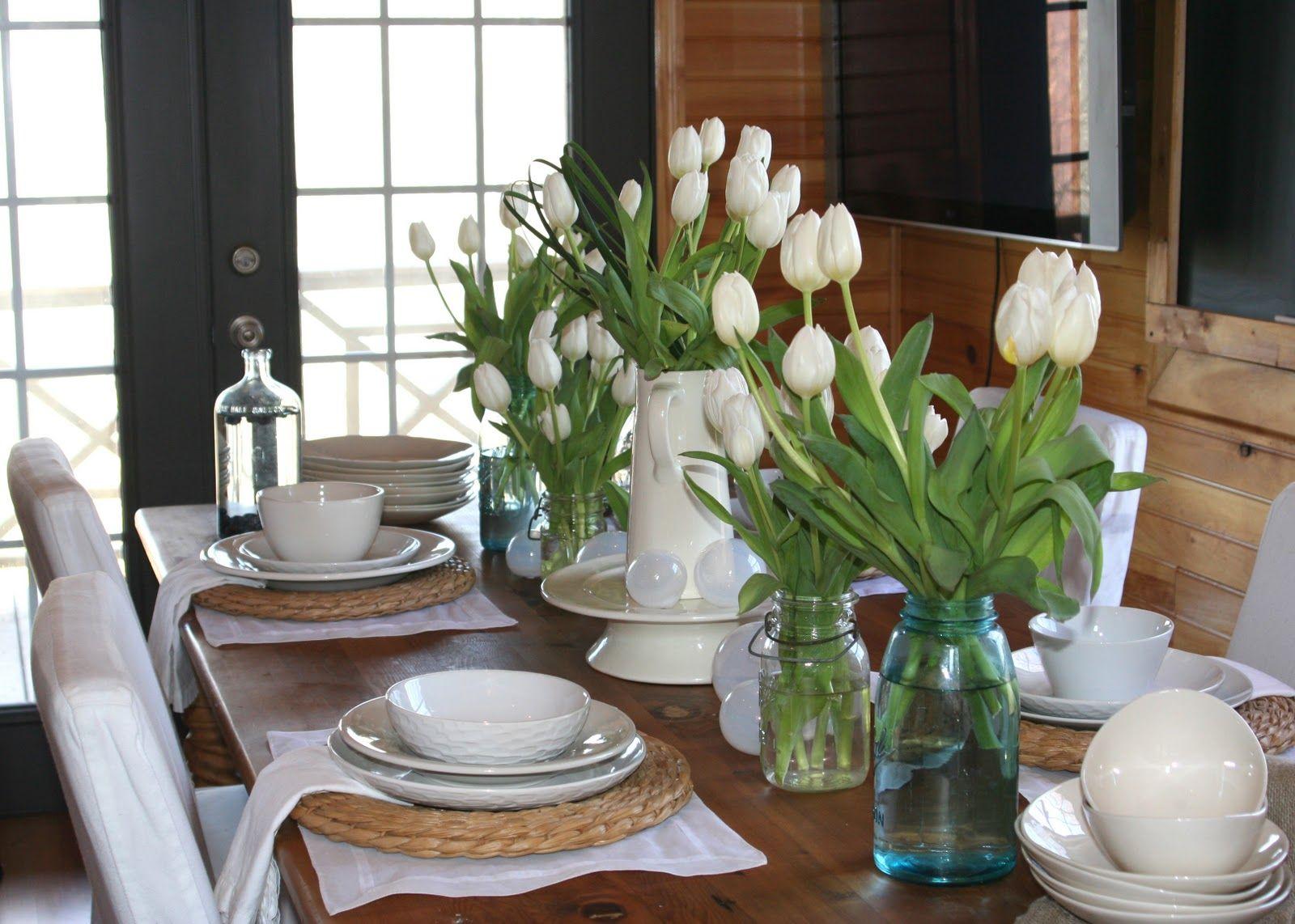 3 أفكار سهلة لتزيين طاولة الطعام بديكور جذاب ومميز