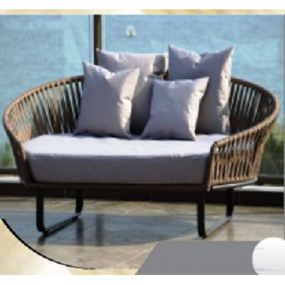 Wide Wicker Couch 2 (R 357)